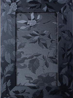 Профіль 1004 Колір 629 Чорне листя
